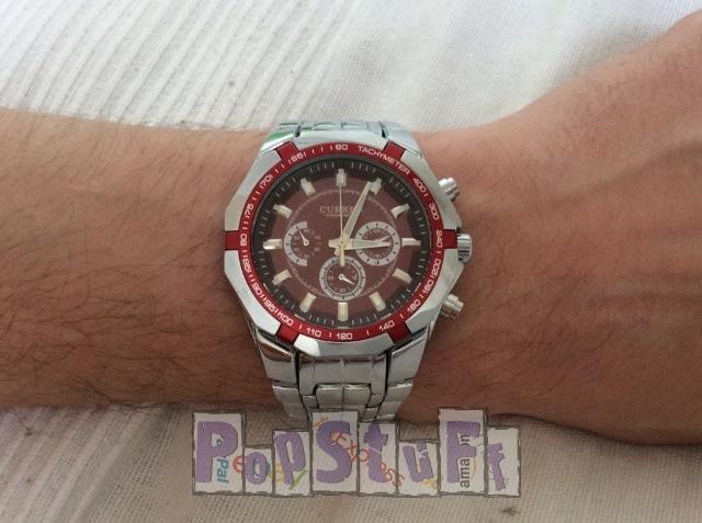 CURREN вид часов на руке